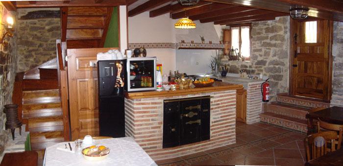 Centro de turismo rural en burgos desde donde visitar los - Cocinas rusticas de obra fotos ...